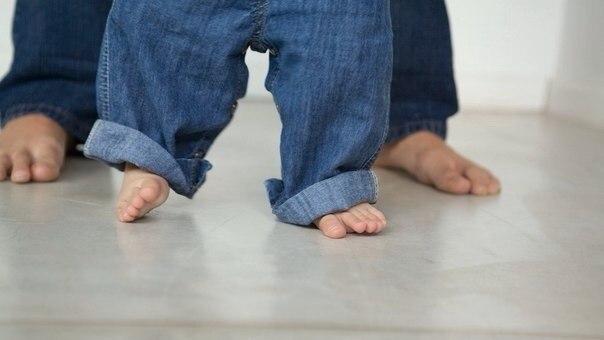 Гимнастика для ног для детей до 1 года