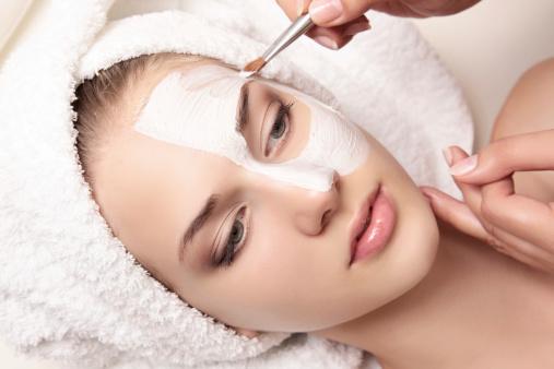 Кефирные маски для кожи лица в домашних условиях