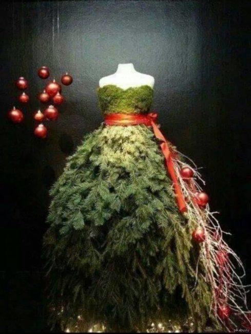 Платья из Елки и еловых веток, 10 необыкновенных фото