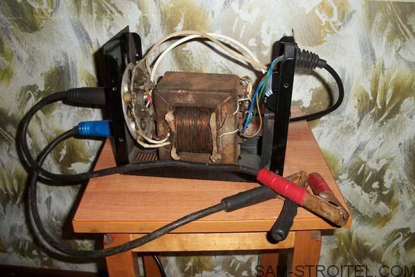 Простое зарядное устройство для аккумулятора своими руками: схема