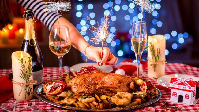 Украшение новогодних блюд 2020: 60 вкусных фото-идей