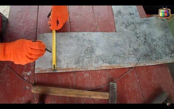 Механическое приспособление для чистки дымохода от сажи руками