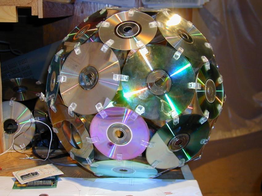 Поделки из дисков - оригинальные идеи и пошаговое описание как сделать интересные поделки (100 фото)