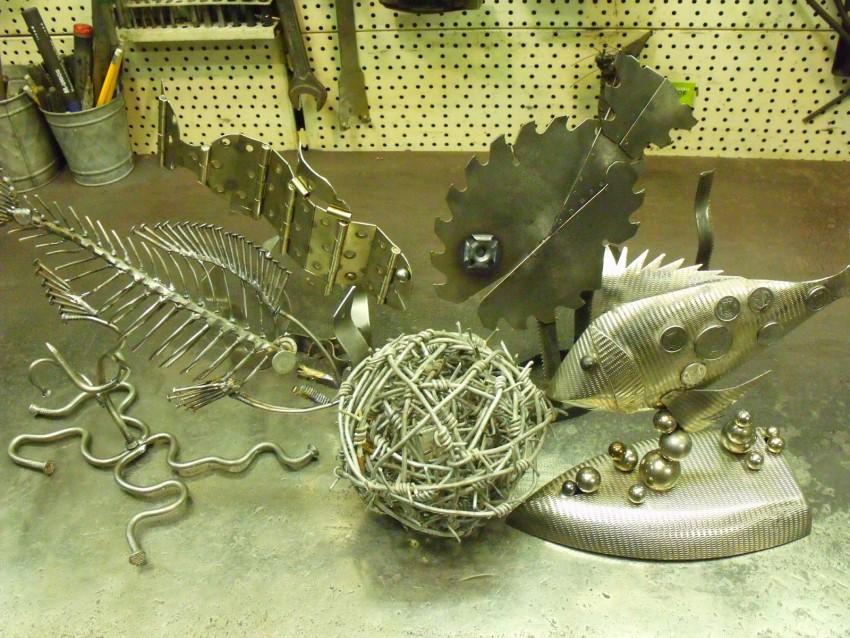 Поделки из металла - особенности работы с металлами и интересные варианты поделок из железа (120 фото и видео)