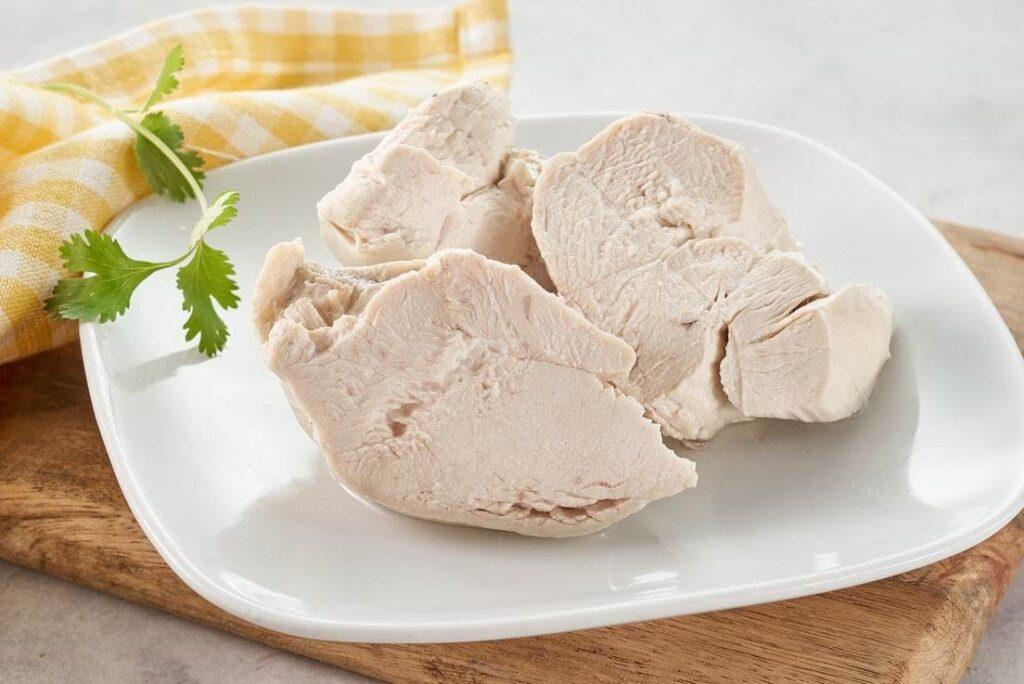 отварное куриное мясо
